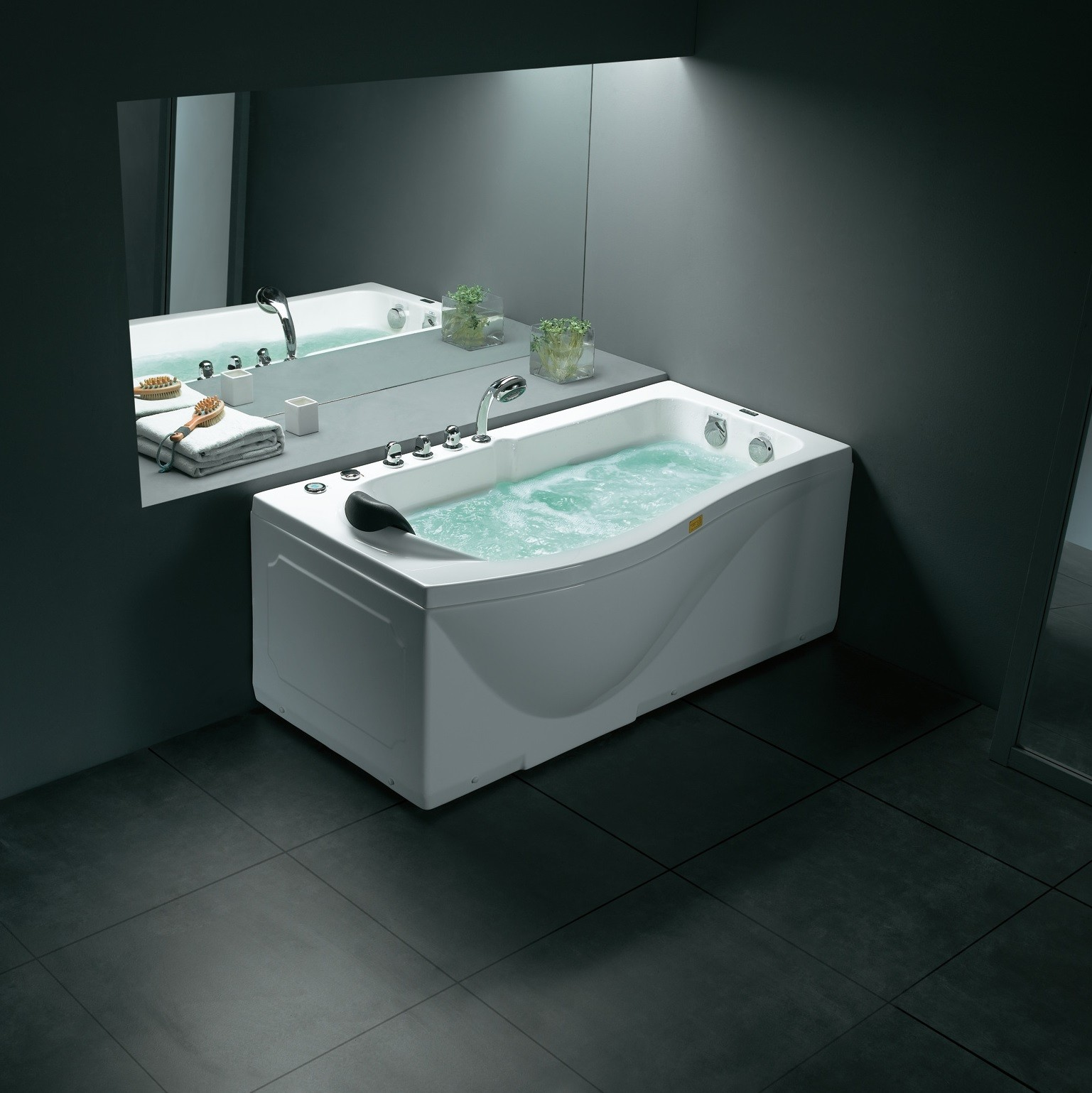 Clearwater Luxury Whirlpool Tub