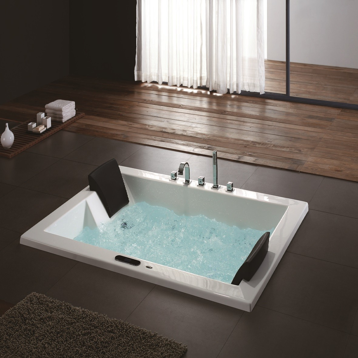 Astoria Luxury Whirlpool Tub