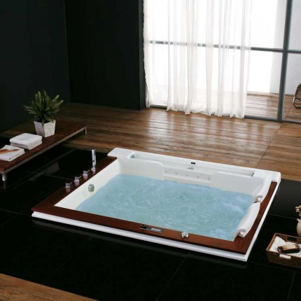 Seattle Luxury Whirlpool Tub