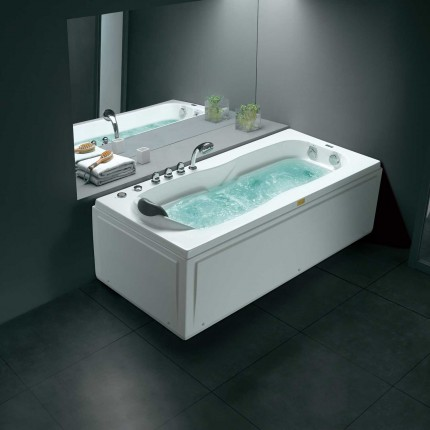 Waterford Luxury Massage Bathtub