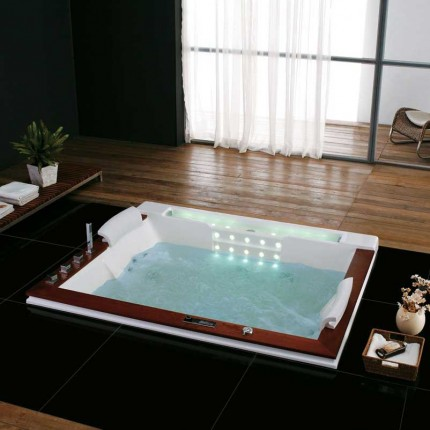 Vineyard Luxury Massage Tub